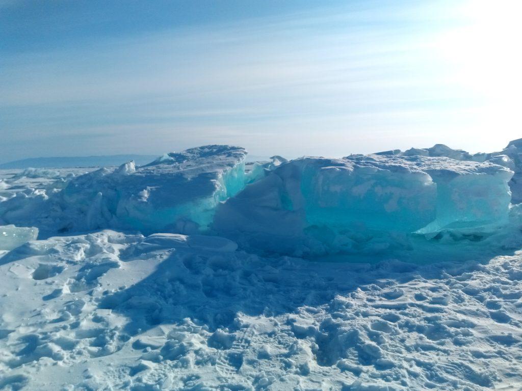 Самые голубые льды на Байкале